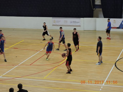 1 место  по баскетболу среди юношей
